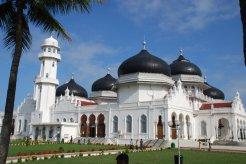 baiturrahman_mosque_by_ohmyitsblack