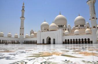 Masjid-Sheikh-Zayed-di-Abu-Dhabi-UAE-1024x680