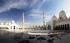 Masjid-Sheikh-Zayed-Foto.-mithunonthe.net_