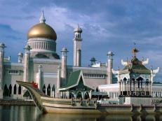 omar-ali-mosque-brunei
